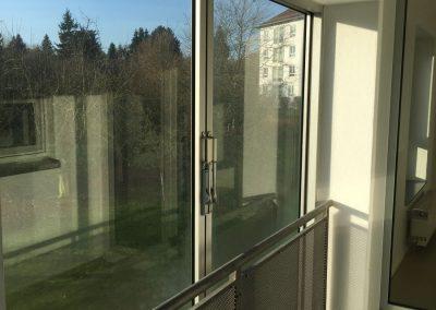 4-Zimmer-Wohnung mit Balkon, frisch renoviert auf Wunsch fix und fertig mit Einbauküche WE27KW31