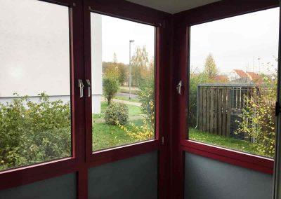 2-Zimmer-Wohnung mit Balkon, frisch renoviert auf Wunsch fix und fertig mit Einbauküche WE1CF57