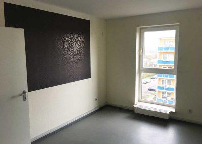 2-Zimmer-Wohnung mit Balkon, frisch renoviert auf Wunsch fix und fertig mit Einbauküche WE10CF57