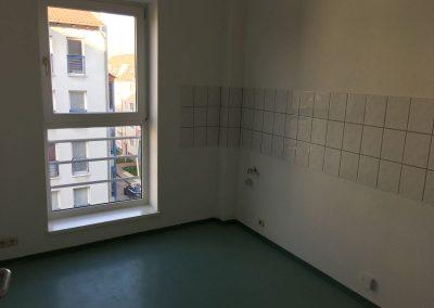3-Zimmer-Wohnung mit Balkon, frisch renoviert auf Wunsch fix und fertig mit Einbauküche WE8PS9