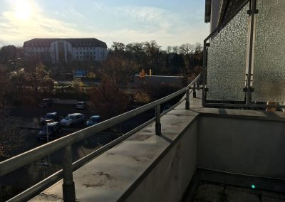 2-Zimmer-Wohnung mit Balkon, frisch renoviert auf Wunsch fix und fertig mit Einbauküche WE56SB77