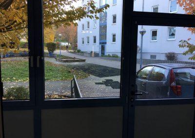 2-Zimmer-Wohnung mit Balkon, frisch renoviert auf Wunsch fix und fertig mit Einbauküche WE1SB1