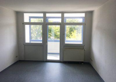 2-Zimmer-Wohnung mit Balkon, frisch renoviert auf Wunsch fix und fertig mit Einbauküche WE35LS31