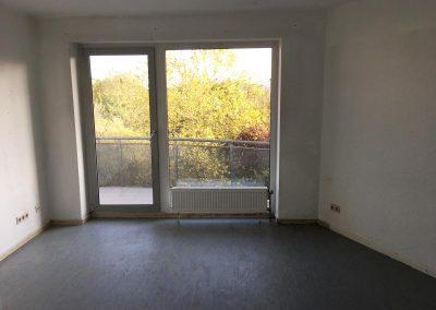 2-Zimmer-Wohnung mit Balkon, frisch renoviert, auf Wunsch fix und fertig mit Einbauküche WE53KW25