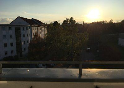2-Zimmer-Wohnung mit Balkon, frisch renoviert auf Wunsch fix und fertig mit Einbauküche WE69KW24