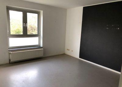 3-Zimmer-Wohnung mit Balkon, frisch renoviert, auf Wunsch fix und fertig mit Einbauküche WE44KW27