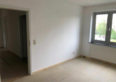 2-Zimmer-Wohnung mit Balkon, frisch renoviert, auf Wunsch fix und fertig mit Einbauküche · WE20KW33