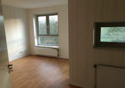 3-Zimmer-Wohnung mit Balkon, frisch renoviert, auf Wunsch fix und fertig mit Einbauküche WE43KW27