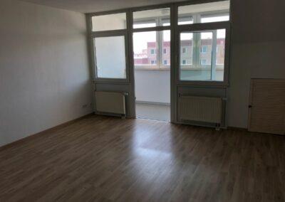 3-Zimmer-Wohnung mit Balkon, frisch renoviert auf Wunsch fix und fertig mit Einbauküche WE39GER3